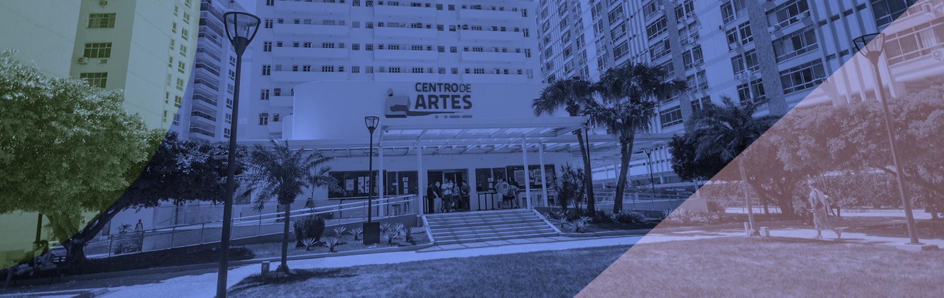 imagem da fachada do centro de artes com o prédio da reitoria ao fundo