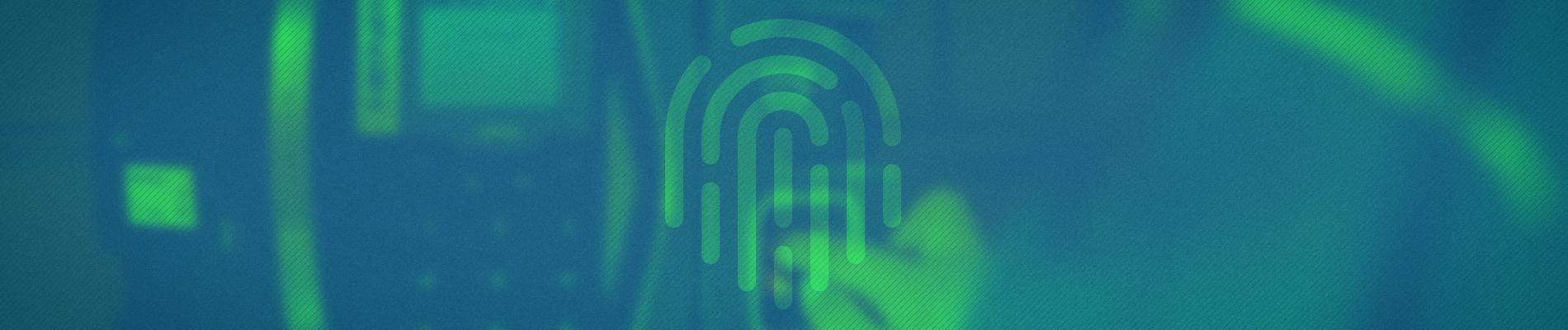 imagem desfocada com filtro gradiente azul e verde de uma pessoa colocando a impressão digital na máquina de ponto eletrônico.
