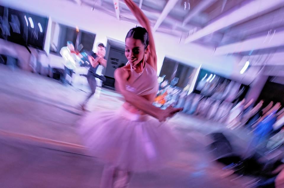 Bailarinos Liana Vasconcelos e Davi Pontes | Foto: João Fanara