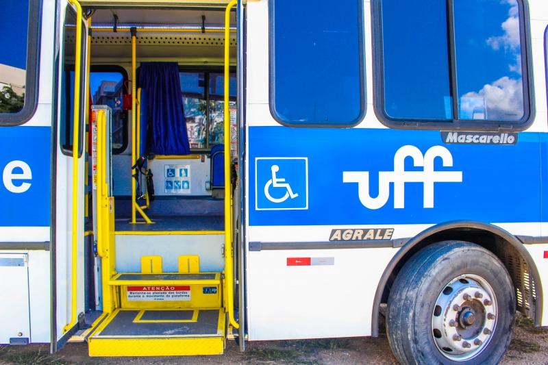 Busuff possui acessibilidade para alunos com deficiência Foto: Paula Fernandes