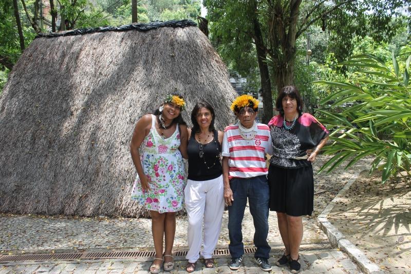 Carol Potiguara, Marina Vasconcellos, pajé Sapaim e Dinah Guimaraens - Foto: Patrick Rosa