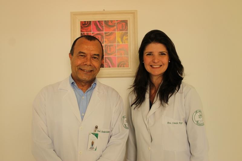 Prof. Osvaldo Nascimento, coordenador do NeuroUPC, e profa. Camila Pupe, pesquisadora do núcleo Foto: Gabriella Balestrero