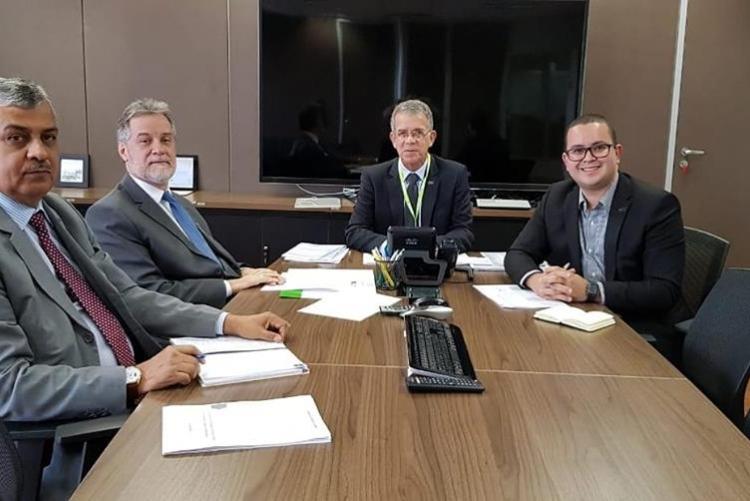Reitor da UFF na sede da EBSERH, em Brasília, em reunião com  presidente da instituição, Osvaldo de Jesus Ferreira, o diretor vice-presidente executivo, Eduardo Vieira e o assessor da diretoria.