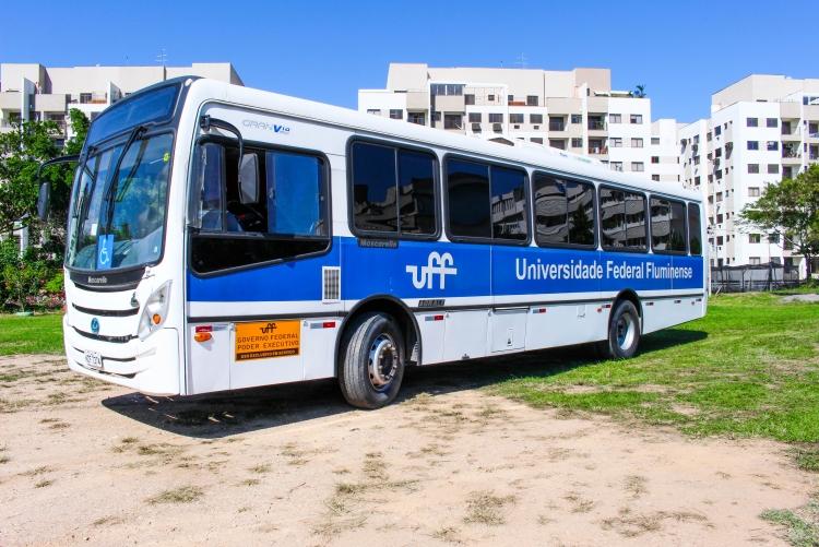 Busuff estacionado no Campus do Gragoatá