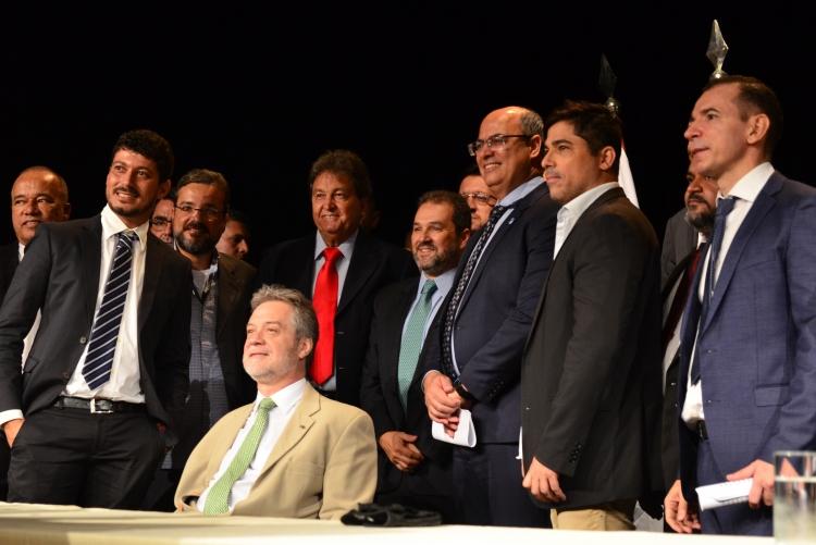 Wilson Witzel empossou o secretário de Estado de Agricultura, Pecuária, Pesca e Abastecimento, Eduardo Lopes no Teatro do Centro de Artes