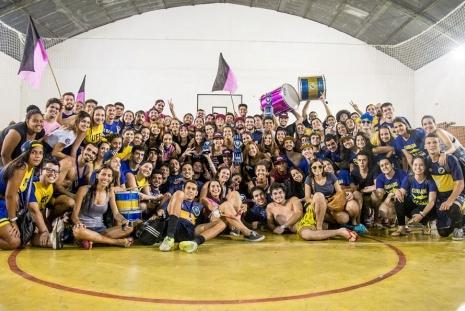 Atlética de Artes e Comunicação Social e Atlética de Economia no Super 15