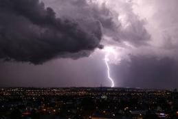Temporais, motivo de preocupação para os moradores das grandes cidades - Foto: José Fernando