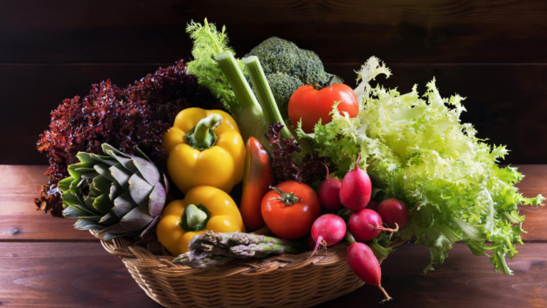 Legumes em uma cesta